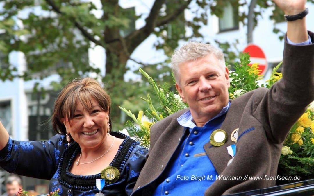 Oberbürgermeister Dieter Reiter gratuliert Michael Käfer