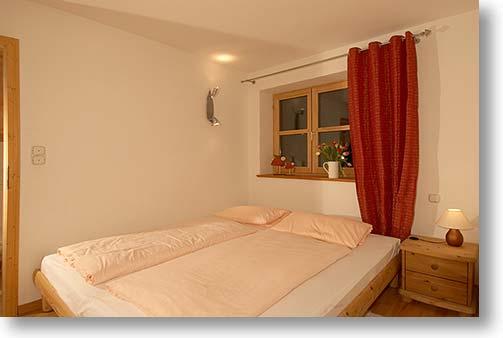 schlafhzimmer wohnzimmer badezimmer detailansicht apartment oberfeld starnberg