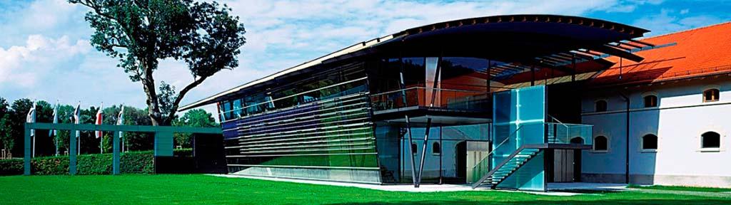 Header Veranstaltungsforum fürstenfeld nahe Ammersee - Aussenansicht des modernen Neubaus