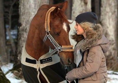 Denise mit ihrem Pferd Blue in Dießen am Ammersee