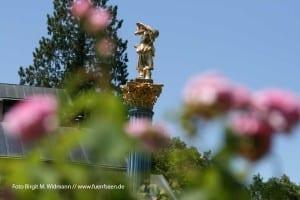 Roseninsel im Starnberger See mit Casino