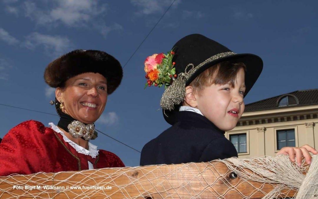 Die Tutzinger Gilde beim Oktoberfest Trachteneinzug