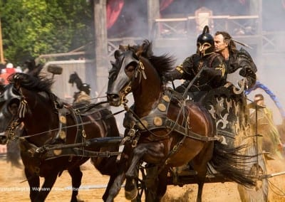 Kampfwagen mit zwei Pferden Kaltenberger Ritterturnier