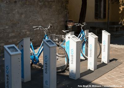 in Como stehen viele Stationen für Bike & Co zur Verfüging