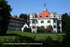Das Sisi Schloss in Possenhofen am Starnberger See