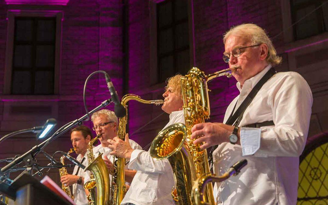 """Bigband Fink & Steinbach"" – Open Air-Konzert im Brunnenhof"
