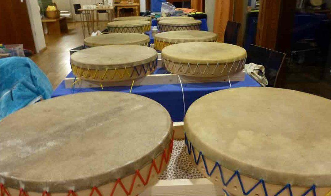 Trommelbaukurs nach sibirischer Tradition