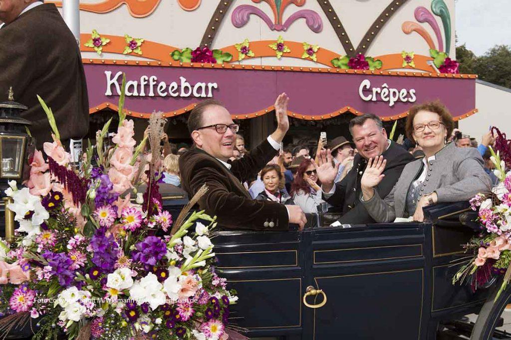 zweiter Bürgermeister der Stadt München Josef Schmid mit der 3. Bürgermeisterin Christine Strobl und Wiesn-Stadtrat Manuel Pretzl beim Einzug der Festwirte zum Oktoberfest 2018